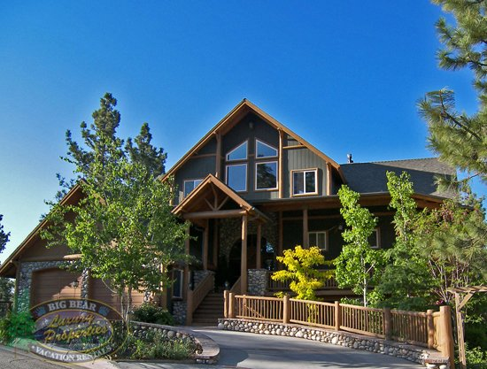 Learning how to ski and snow board vacation homes in big for Big bear luxury cabin